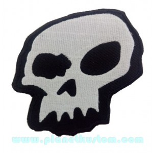 Patch ecusson skull silver on black