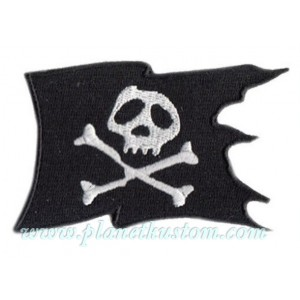Patch ecusson skull pirate drapeau noir tete de mort black flag bones